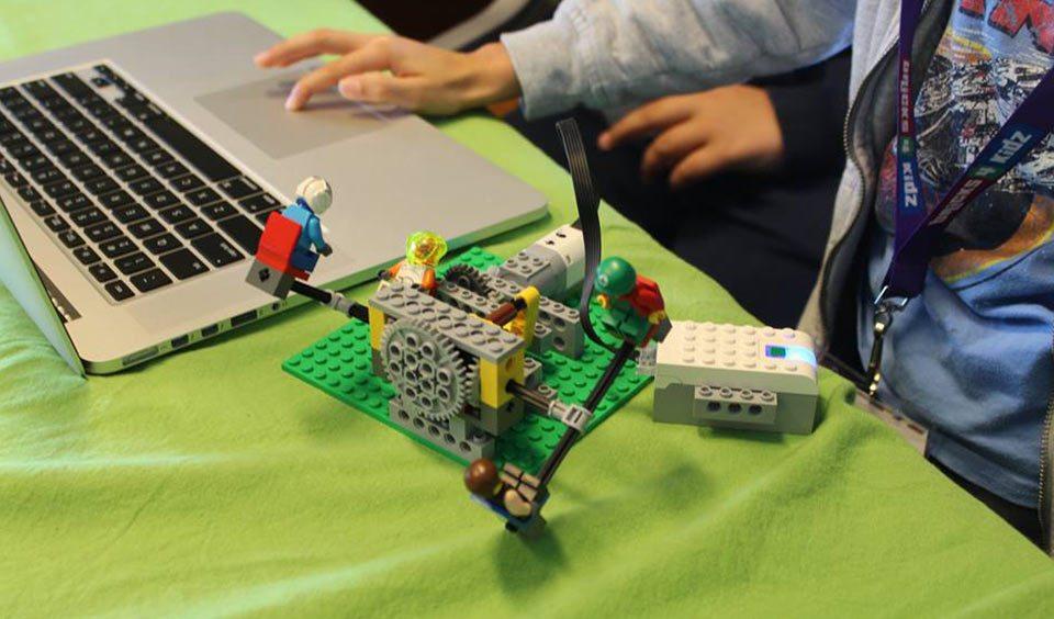 bricks4kidz-laboratori3
